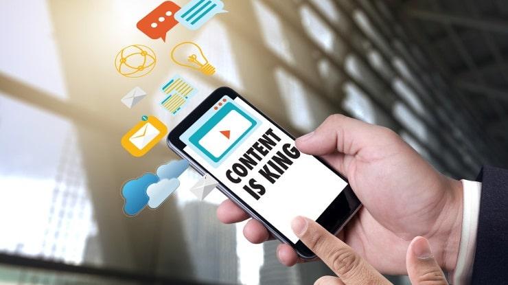"""Le contenu, n.m., """"ce qui est contenu dans un récipient"""" (un site web et/ou une application) ou """"ce qui est exprimé dans un texte"""" (ou tout autre moyen d'expression)"""